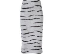 Enger Rock mit Zebra-Print