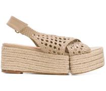 Geflochtene Sandalen
