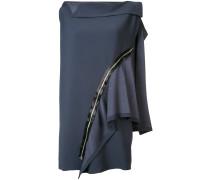 Kleid mit asymmetrischem Reißverschluss