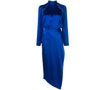 Kleid mit hohem Kragen