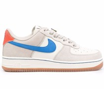 Air Force 1 07 LE Sneakers