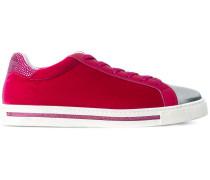Sneakers in Samtoptik