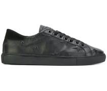 D.A.T.E. Sneakers mit eingeprägten Sternen