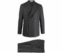 Doppelreihiger Anzug mit Streifen