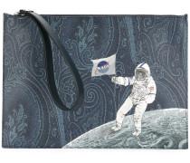Clutch mit Astronauten-Print