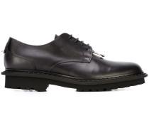 Derby-Schuhe mit Piercing