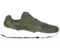Slip-On-Sneakers mit Kontrastsohle