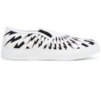Slip-On-Sneakers mit Blitz-Print - men