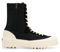 Sneaker-Boots im Hybrid-Design