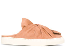 Slip-On-Sneakers mit Knotendetail