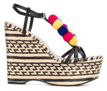 Wedge-Sandalen mit Pompons