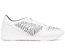 Sneakers mit Zebra-Cut-Outs