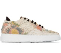 Sneakers mit Blumenstickerei