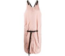 Kleid mit Knitterfalten