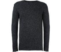 Pullover mit sichtbaren Nähten