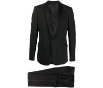 Anzug mit Schalrevers