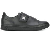 Sneaker mit Klettverschlüssen
