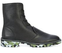 Stiefel mit Camouflage-Sohle