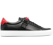 Sneakers mit Riemendetail