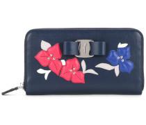 Portemonnaie mit floraler Verzierung