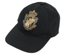 Baseballkappe mit aufgesticktem Wappen