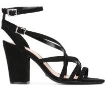 Sandalen mit überkreuzten Riemchen