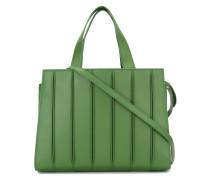 Handtasche mit sichtbaren Nähten