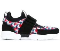 Sneakers mit Tweed-Einsätzen