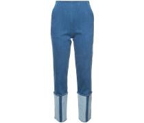 Jeans mit hochgerolltem Saum