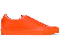 Klassische Low-Top-Sneakers