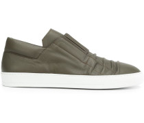 Sneakers mit Knitteroptik