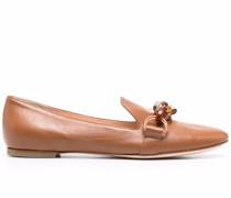 Loafer mit Kettendetail in Schildpattoptik