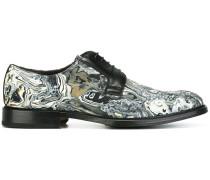 Derby-Schuhe mit Lava-Print