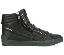 High-Top-Sneakers mit gesteppten Details