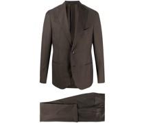 Gestreifter Anzug