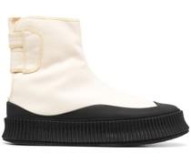 Stiefel mit Klettverschluss