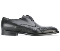 Derby-Schuhe mit geflockten Schmetterlingen