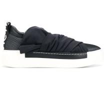 Slip-On-Sneakers mit Wickeldetail