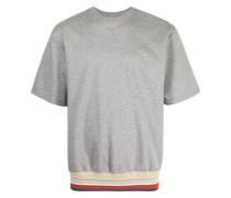 T-Shirt mit gestreiftem Saum