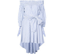 Gestreiftes Kleid mit schulterfreiem Design