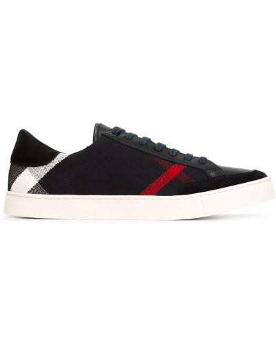 Sneakers mit Karomuster