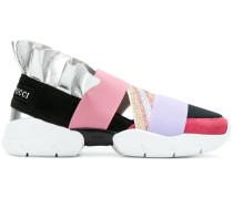 Sneakers mit Bändern