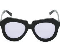 Sonnenbrille mit strukturiertem Gestell