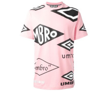 "x Umbro T-Shirt mit ""Umbro""-Print"