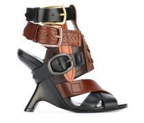 Sandalen mit Schnallen - women