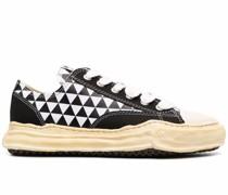 Sneakers mit Rautenmuster