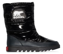 Joan of Arctic puffer boots