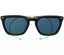 Sonnenbrille mit gebogenen Bügeln
