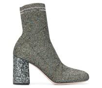 Stiefel aus Strickstoff