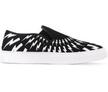 - Slip-On-Sneakers mit Blitz-Print - men